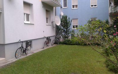 Süße 2 Zimmerwohnung – Innenhof